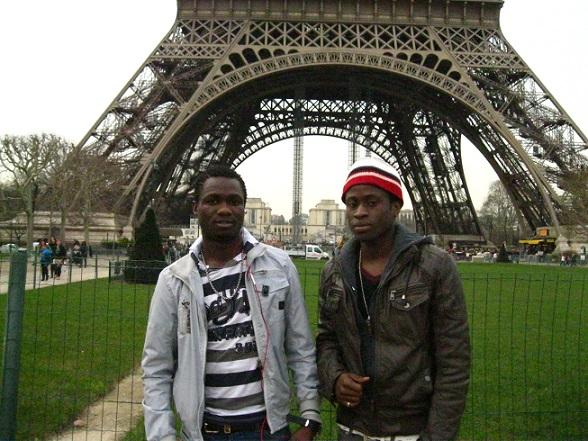 INMIGRANTES EN PARIS...