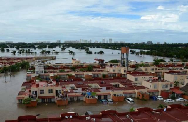 zona-habitacional-inindada-acapulco