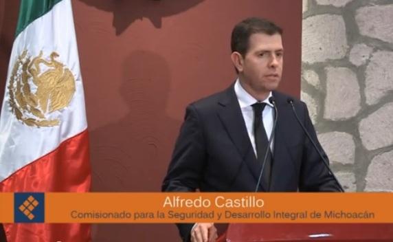 ALFREDO CASTILLO LA RUANA