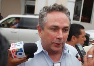CARLOS CABAL PENICHE